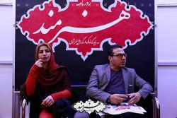 مهرداد کاظمی در غرفه روزنامه هنرمند