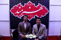 علیرضا دبیر و هادی ساعی در غرفه روزنامه هنرمند