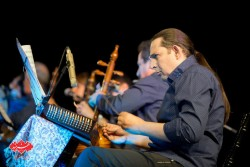 اردوان کامکار در کنسرت گروه کامکارها در اولین شب فستیوال «بارانا»